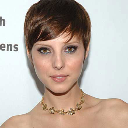 Women With Clippered Nape Haircuts http://gsa.at.ts.xxuz.com/